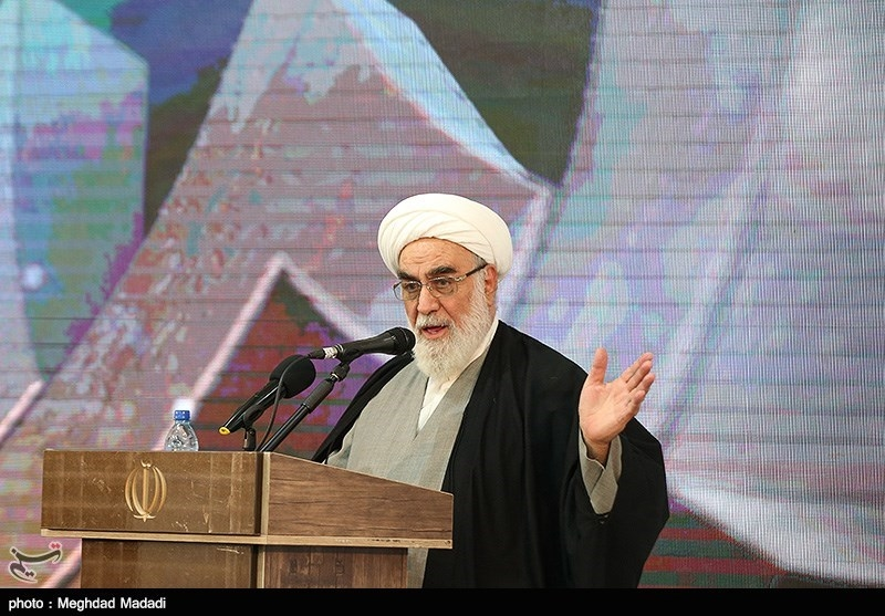 گلپایگانی: آمریکاییها هیچ وقت خیرخواه ایران نبوده اند/ سودبری ایران از مذاکره با آمریکا خواب و خیال است