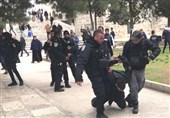 اسرائیلی فورسز کا مسجد اقصیٰ میں نمازیوں پرتشدد