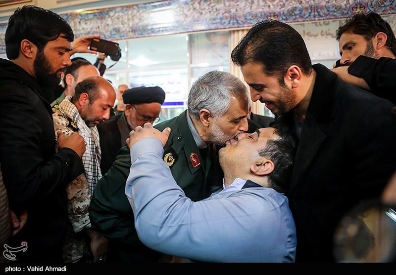 سرلشکر قاسم سلیمانى فرمانده نیروى قدس در مراسم گرامیداشت شهدای حادثه تروریستی جاده خاش-زاهدان
