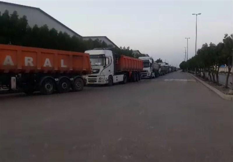 خروج روزانه 2500 تریلی خوراک دام از بندر امام + فیلم