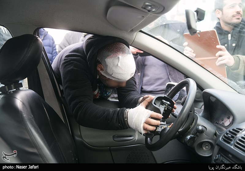 تعقیب و گریز بامدادی پلیس با سارق ایربگهای پژو 206 + تصاویر