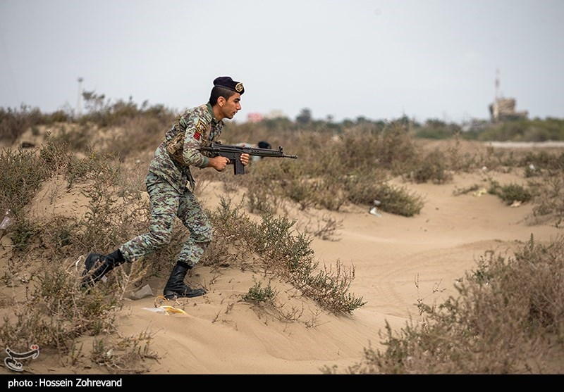 Iranian Marines Exercise Offensive Operation in Southern Coasts