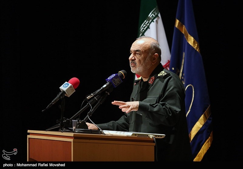 Iran to Become Fully Offensive If Enemy Dares to Wage War: Commander