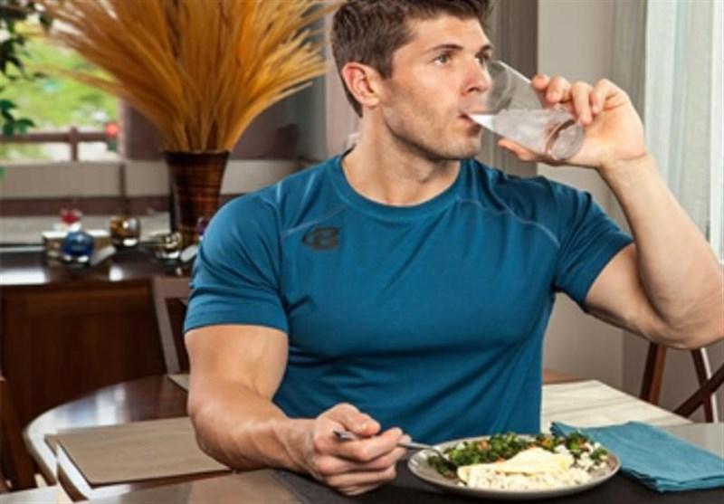 """طب سنتی """"نوشیدن آب"""" در این مواقع شما را بیمار میکند!"""