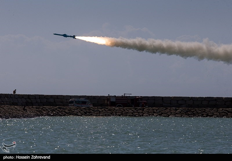 IRGC Practices Countermeasures against US Aircraft Carrier Threats (+Video)