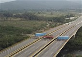 Venezuela Temporarily Closes Three Crossings at Colombian Border