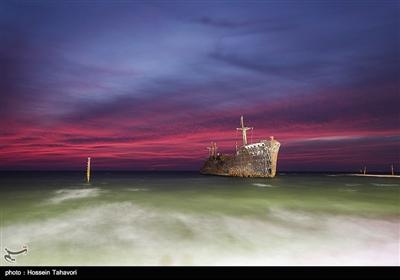 کشتی یونانی در سال ۱۳۲۲ توسط شرکت ویلیام همیلتون درگلاسکو با وزن ۷۰۶۱ تن و طول ۱۳۶ متر ساخته شد.