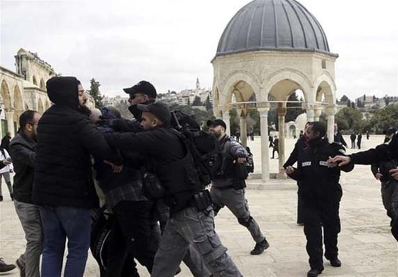 Siyonist İsrail Güçleri Batı Şeria'da 8 Filistinliyi Gözaltına Aldı