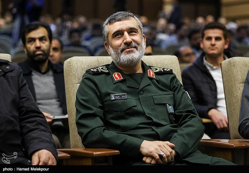 سردار حاجیزاده: با برداشته شدن تحریمها راه صادرات تجهیزات نظامی باز میشود