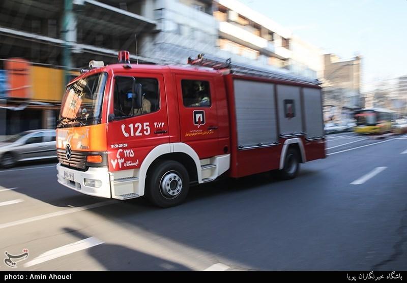 تهران| آتشسوزی یک انبار در لالهزار