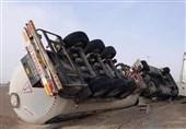 علت واژگونی خودروها در محورهای کویری استان سمنان ریشهیابی شود