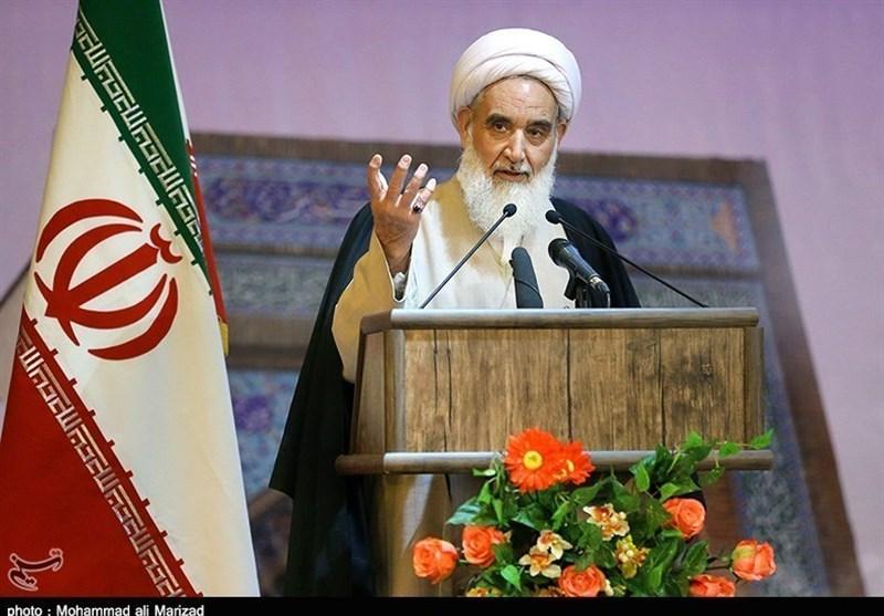 کرمانشاه| دشمن برای مقابله با اثرات شهادت شهید سلیمانی به فتنه روی آورده است