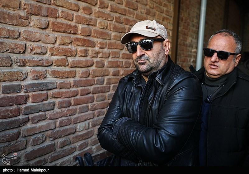 مهران احمدی در مراسم تشییع پیکر زندهیاد خشایار الوند