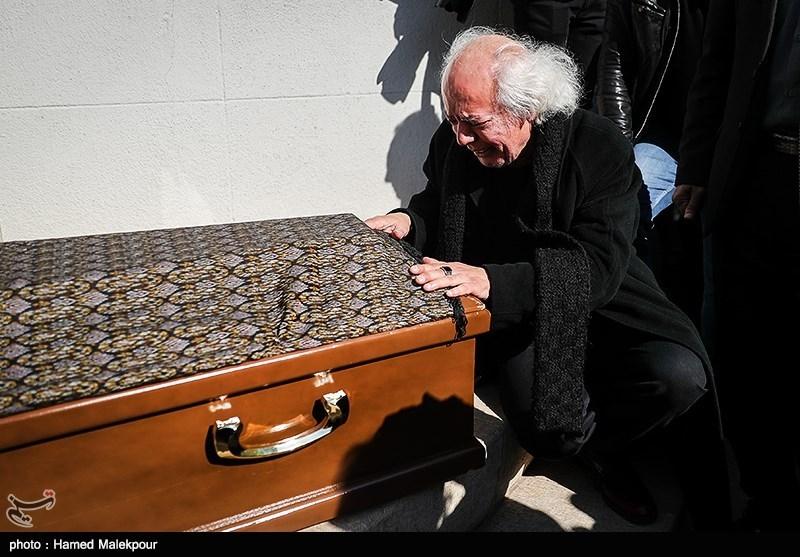 سیروس الوند برادر زندهیاد خشایار الوند در مراسم تشییع