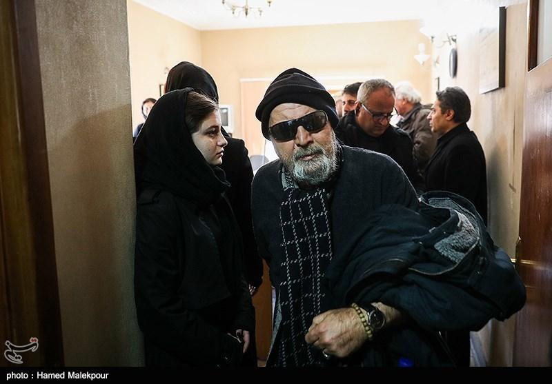 سیروس مقدم در مراسم تشییع پیکر زندهیاد خشایار الوند