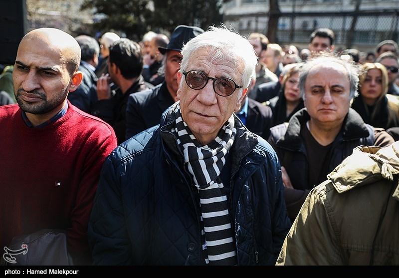 مسعود رایگان در مراسم تشییع پیکر زندهیاد خشایار الوند