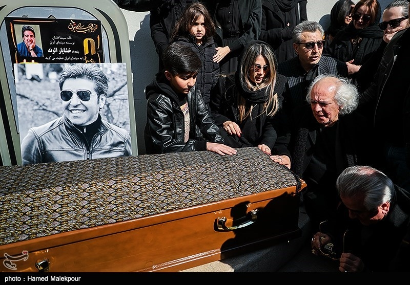 خانواده زندهیاد خشایار الوند در مراسم تشییع