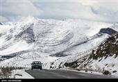 بارش برف و باران در جادههای 6 استان/ ترافیک سنگین در هراز، فیروزکوه و کرج ـ چالوس