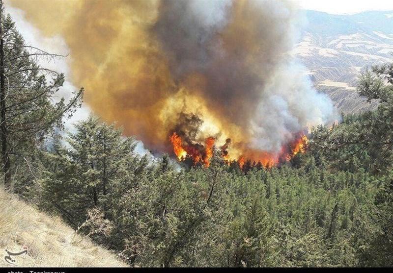 تهران  عملیات 6 ساعته دهها آتشنشان برای اطفای حریق در ارتفاعات لشگرک