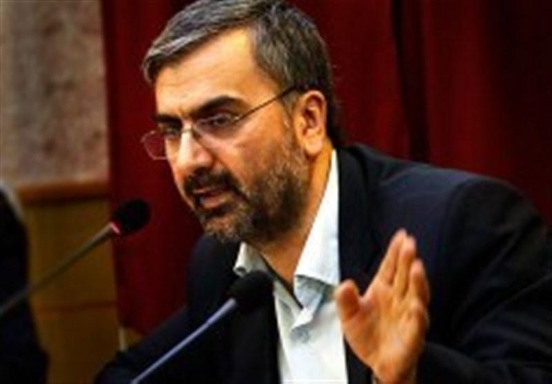 مرحوم حسینیان تاریخنگاری انقلاب را از غربت نجات داد/ نگاه منصفانه در پرداخت به تحولات انقلاب