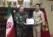 تقدیر از قهرمان مسابقات دوومیدانی تهران در تربیت بدنی نزاجا