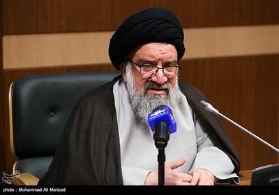 خاتمی: خسته نشان دادن ملت ایران یک تحریف است/ دولتمردان نشاط کشور را در عمل نشان دهند
