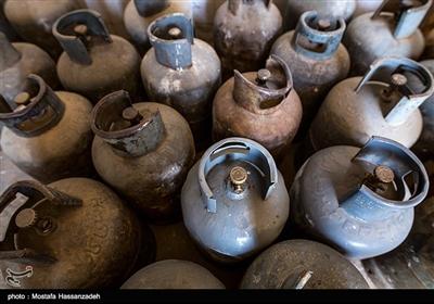 سریال صفهای طویل با وجود بحران کرونا/ ایرانشهریها از نبود کپسول گاز در شهر گله دارند