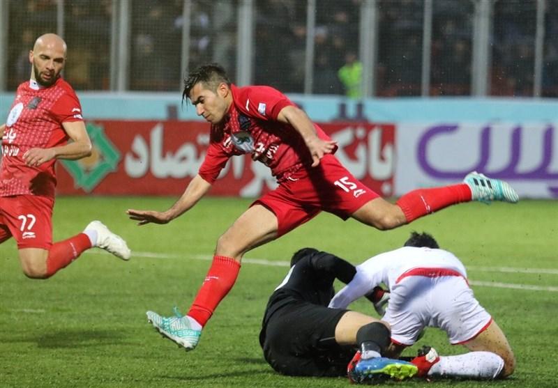 لیگ برتر فوتبال|برتری نساجی مقابل پرسپولیس در نیمه اول