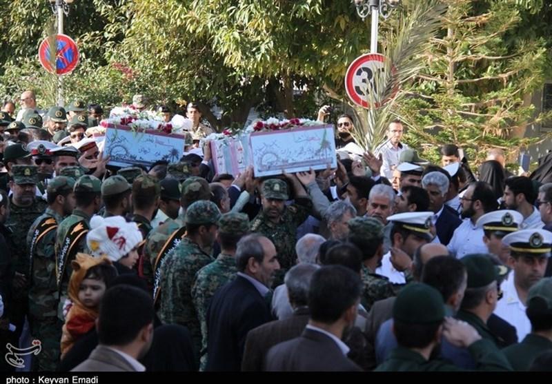 تشییع پیکر سه شهید گمنام دوران دفاع مقدس در بوشهر به روایت تصویر