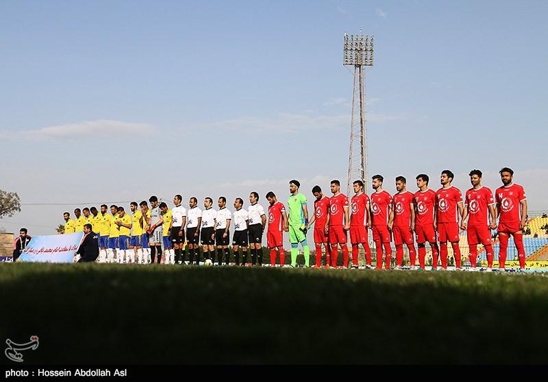 دیدار تیمهای فوتبال صنعت نفت آبادان و سپیدرود رشت