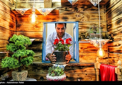 Iranians Buy Flowers in Preparation for Persian New Year