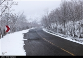 بارش برف در محور کرج- چالوس محدوده گچسر تا کندوان