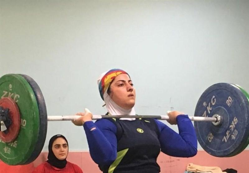 مسابقات وزنهبرداری قهرمانی بانوان کشور در اصفهان برگزار میشود