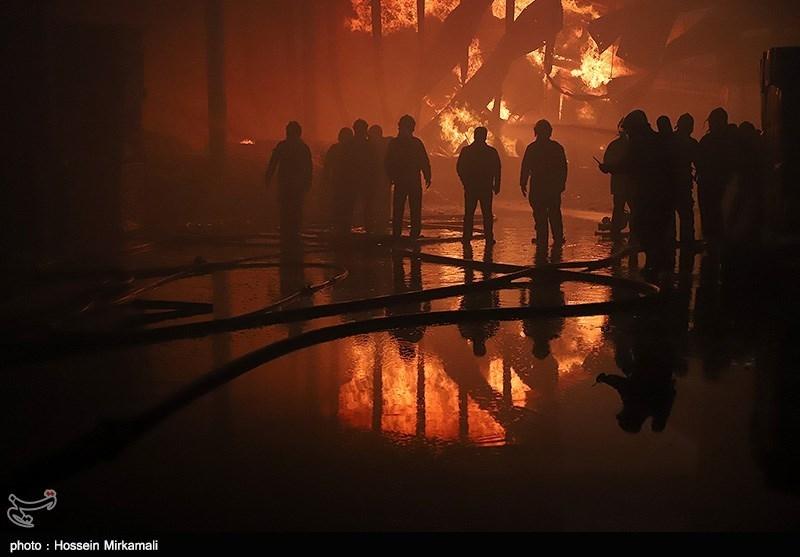 آتش گرفتن 15 باب مغازه در بازار تهران + فیلم و تصاویر