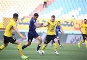 کومان به بازی مقابل پرسپولیس رسید/ غیبت شفیعی در دیدار نیمه نهایی جام حذفی