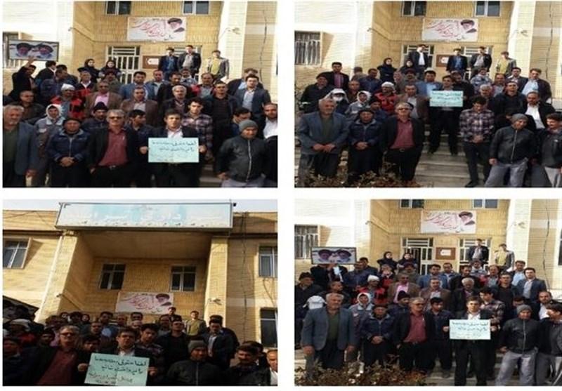 کارگران شهرداری سرآبله در اعتراض به عدم پرداخت حقوق معوقه خود تجمع کردند