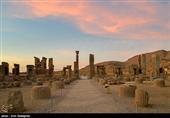 شیراز| کارگاههای مرمت تخت جمشید در ایام نوروز پذیرای مسافران است