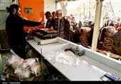 التهاب بازار مرغ در کرمان پایان ندارد؛ از جولان کرونا در صفوف طولانی مرغ تا احتکار خانگی