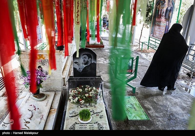 مزار شهید مدافع حرم حسین معز غلامی در آخرین پنجشنبه سال - بهشت زهرا(س)
