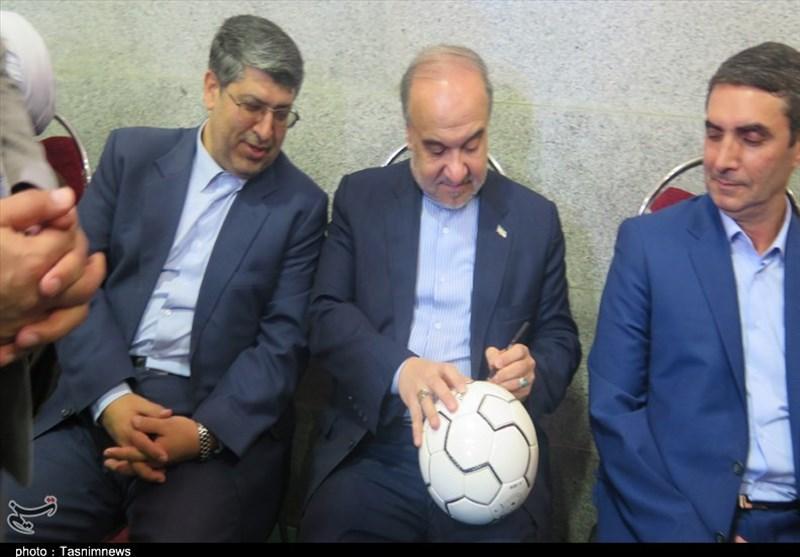 وزیر ورزش: امسال استقلال و پرسپولیس را به هر شکل ممکن واگذار میکنیم