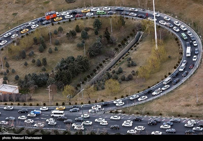 آخرین وضعیت راهها| بارش برف و ترافیک سنگین در جاده کرج ـ چالوس