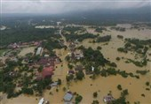 More People Flee Houses as Floods, Landslides Hit Central Indonesia