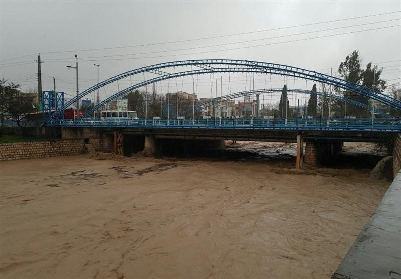 احتمال طغیان رودخانه تجن ساری؛ خروج ساکنان اطراف پارک ملل ساری از محوطه سیلاب