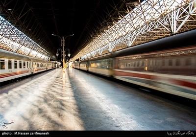 مسافران نوروزی در ایستگاه راه آهن تهران