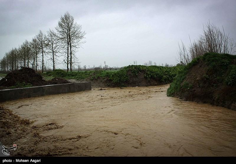 سامانه بارشی قوی تا ساعاتی دیگر وارد استان کرمان میشود؛ خودداری از صعود به ارتفاعات و توقف در مسیر رودخانهها