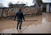 کمک گروههای جهادی ستاد اجرایی فرمان امام(ره) به سیلزدگان استان گلستان