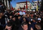 الآلاف یشیعون جثمانی الشهیدین زید نوری ورائد حمدان فی نابلس +صور