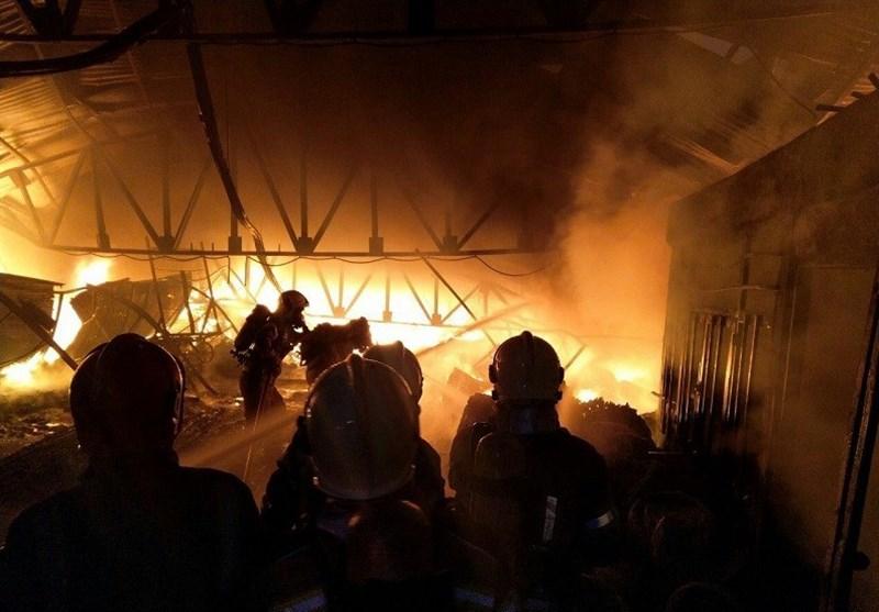 آخرین جزئیات از آتشسوزی واحد بزرگ صنعتی اراک؛ 16 نفر مصدوم شدند