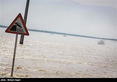 گلستان| تنها مسیر ارتباطی گمیشان براثر سیلاب مسدود شد