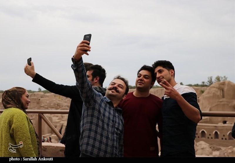 کرمان| بازدید مسافران نوروزی از ارگ تاریخی بم به روایت تصویر